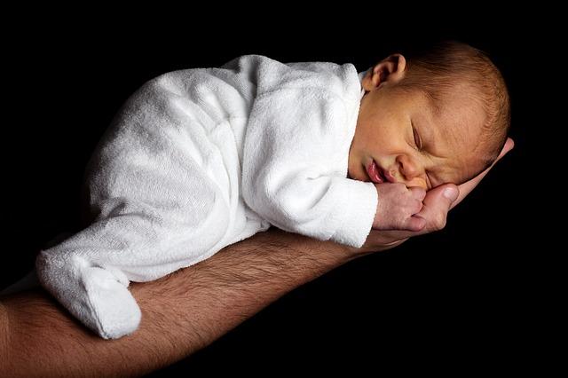 Voyance pour le premier mois avec bébé